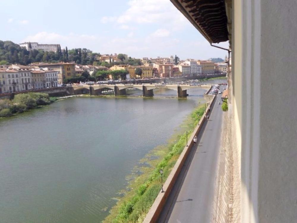 Lungarno Diaz - Panorama Lungarni