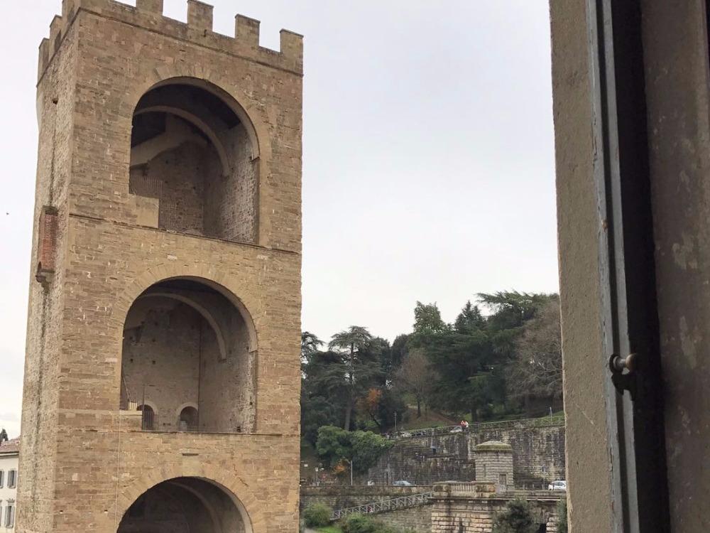 Piazza Poggi - Vista Torre San Niccolò